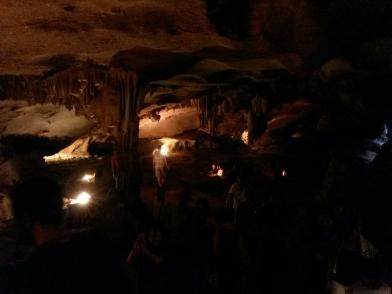 Grotte sur une île, Baie de Bai Tu Long