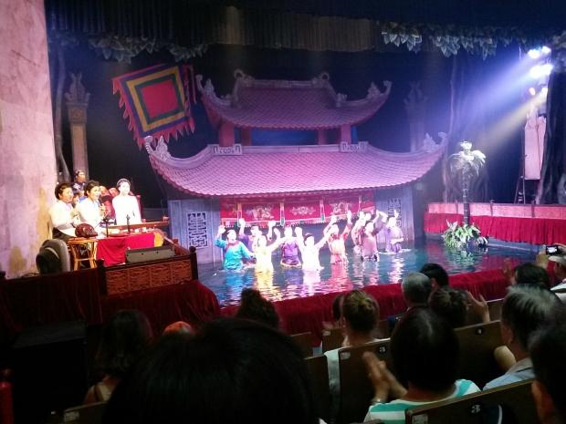 Théâtre de marionnettes sur l'eau