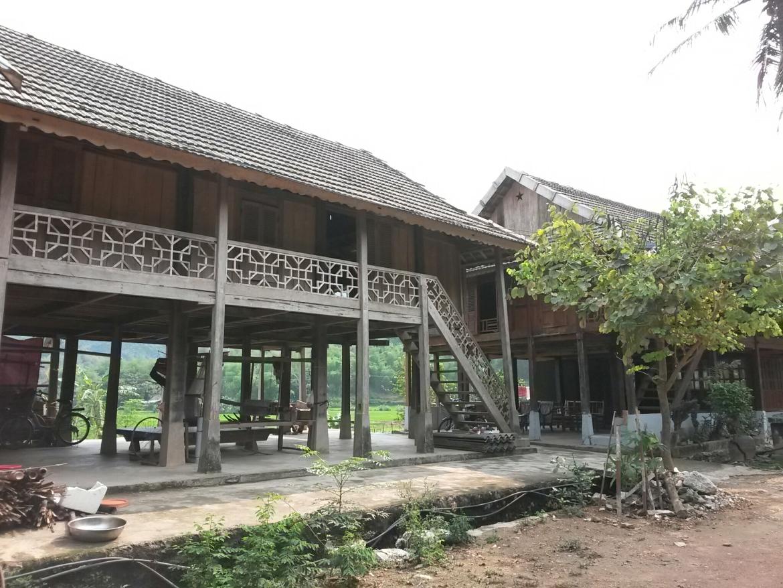 Maison typique de la minorité Thai de la région de Mai Chau