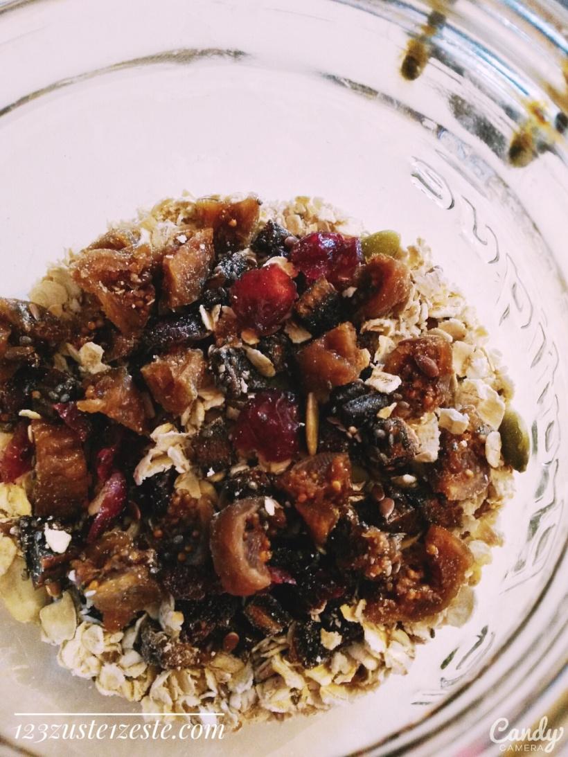 Muesli aux cranberries, figues et banane séchées