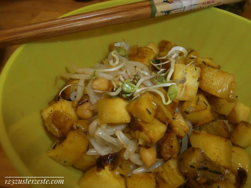 Nouilles de riz au soja, panais et graines germées