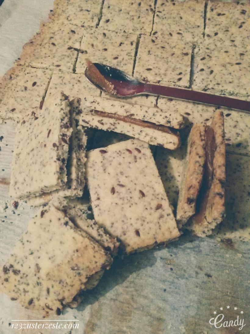 Sablés aux graines de lin et pavot fourrés au caramel