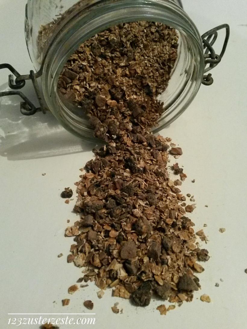 Granola maison cacao, amandes et grué de cacao