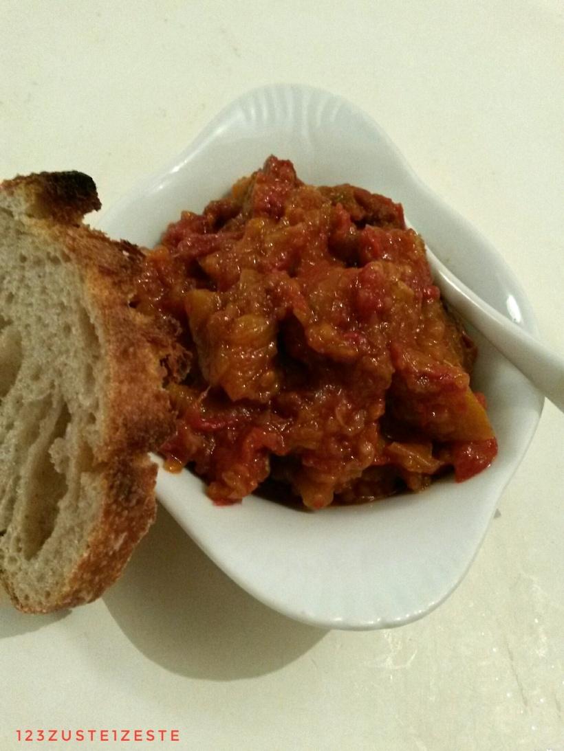 Compotée caramélisée aux poivrons et tomates