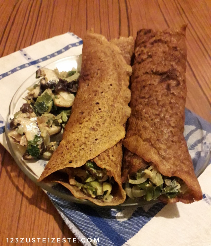 Crêpes aux châtaignes et au sarrasin farcies aux poireaux et shiitakés