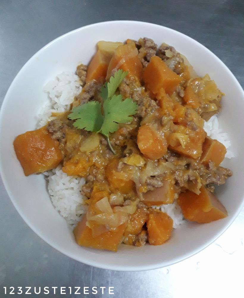 Haché de bœuf, courge butternut et choux chinois au curry rouge