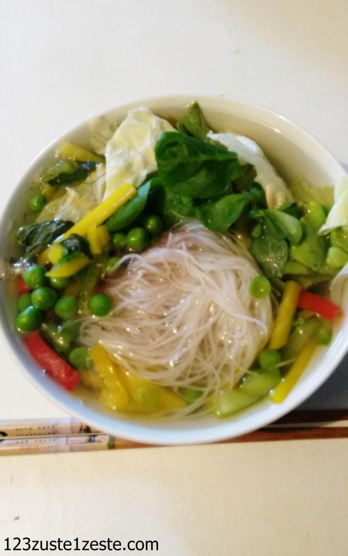 Nouilles de riz aux légumes croquants
