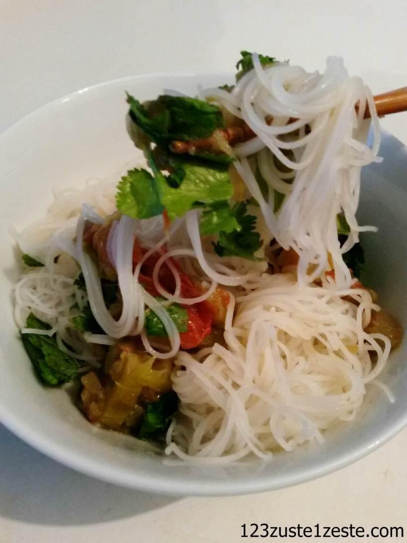 Vermicelles de riz et ratatouille à l'asiatique