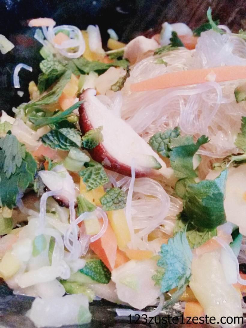 Vermicelles de soja aux légumes asiatiques