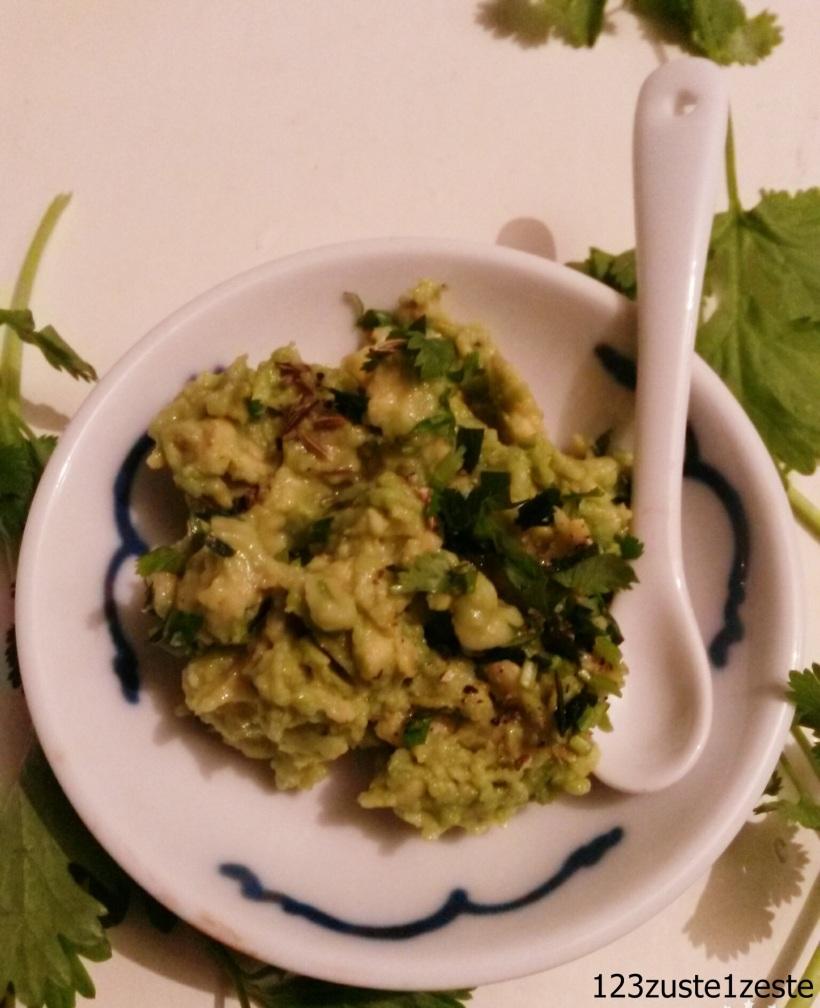 Guacamole tout simple aux herbes fraîches